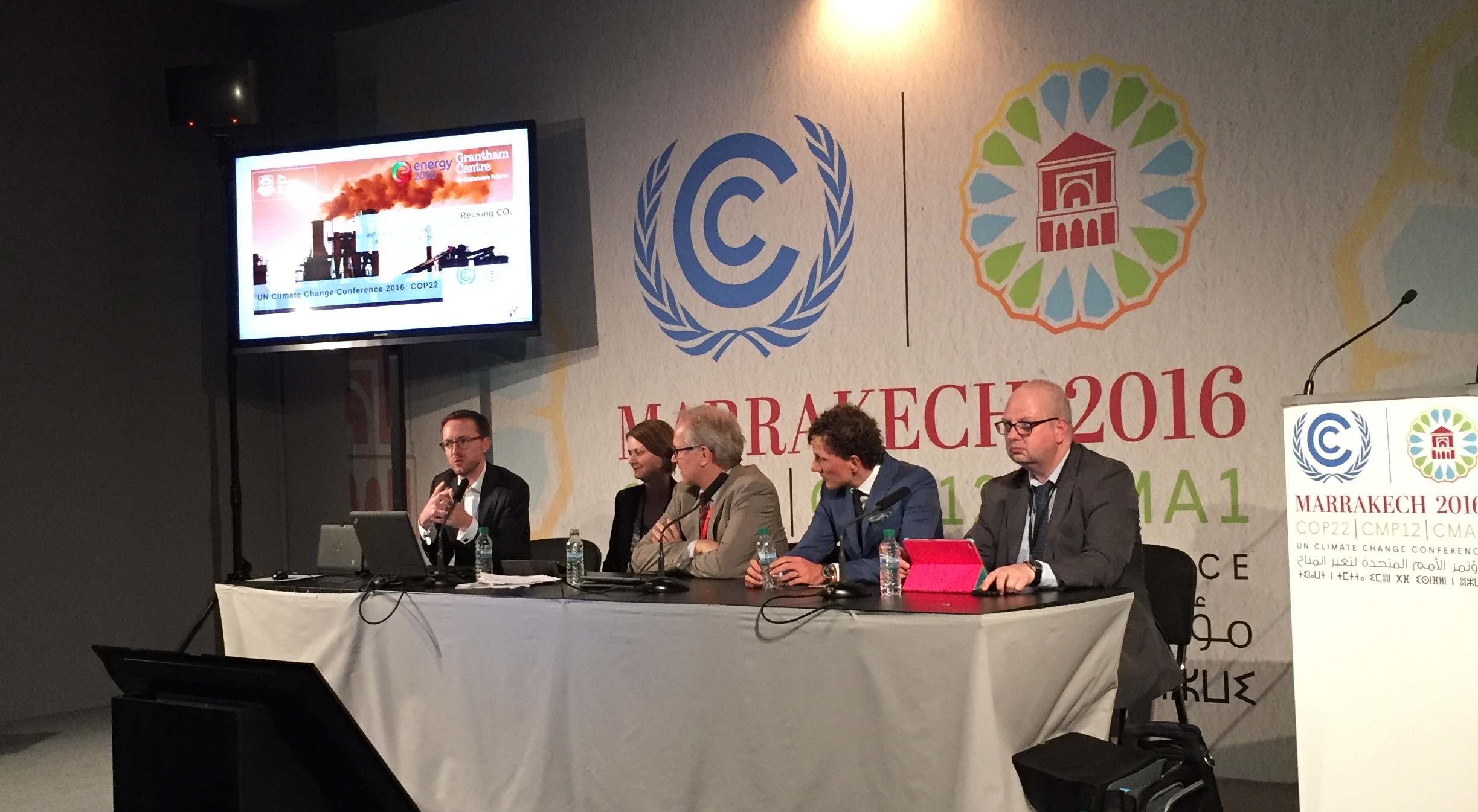 Panel on reusing co2